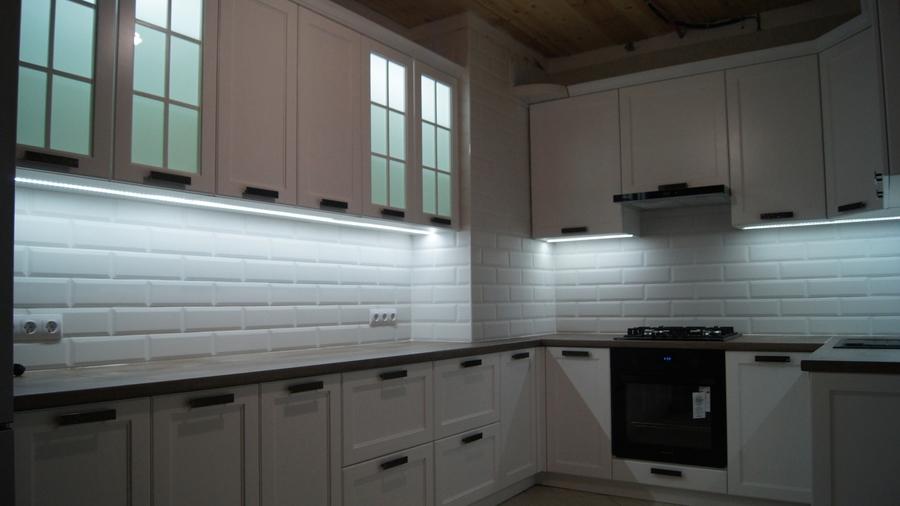 Белый кухонный гарнитур-Кухня МДФ в эмали «Модель 202»-фото2